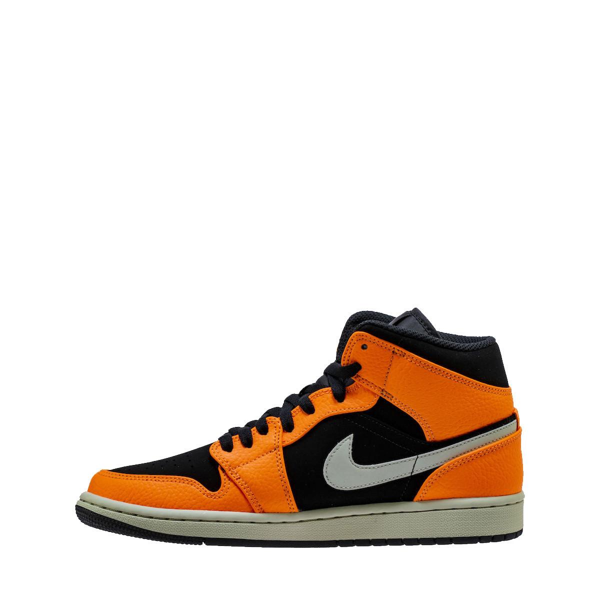 timeless design cb796 4ca54 Nike Basket Nike AIR Jordan 1 Mid - 554724-062. Loading zoom